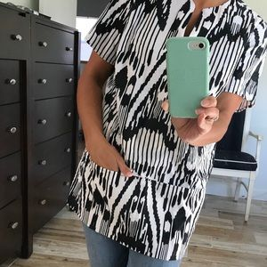 Tribal Tee with pockets: Lands End